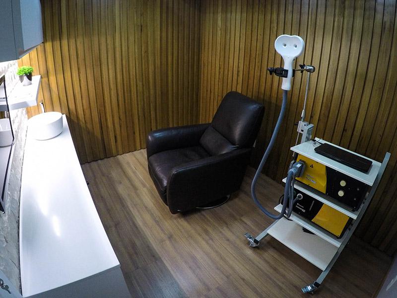 Sala de Estimulação Magnética Transcraniana (EMT) do INCB